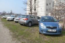 газоны под парковки