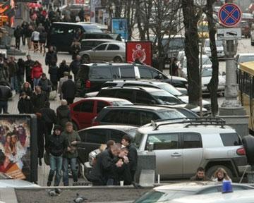 В Киеве разрешили парковаться на тротуарах на Крещатике